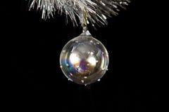 isolerad svart jul för boll royaltyfri bild