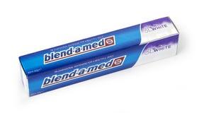 Isolerad tandkräm Blandning-EN-Med Royaltyfri Foto