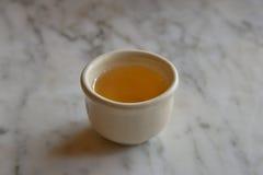 isolerad teawhite för bakgrund kopp Arkivfoto