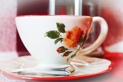 isolerad teawhite för bakgrund kopp Arkivbilder