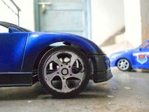 isolerad toywhite för bakgrund bil royaltyfri bild
