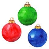 Isolerad uppsättning för jul bollar Arkivbild