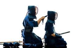 Isolerad vit bacground för Kendo kampsportkämpar kontur royaltyfri fotografi