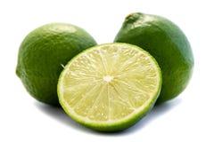 Isolerad vit bakgrund för limefruktlimefruktfrukt utklipp royaltyfri bild