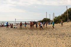 isolerad volleybollwhite för bakgrund strand Royaltyfri Fotografi