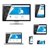 Isolerad websiteutvecklingsminnestavla, bärbar dator, dator och telefon Royaltyfri Foto