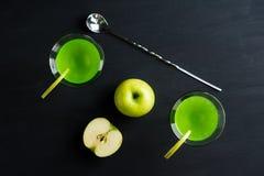 isolerad white för äpple coctail Arkivfoto