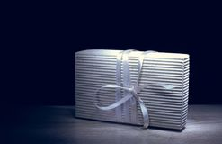 isolerad white för ask gåva royaltyfria foton