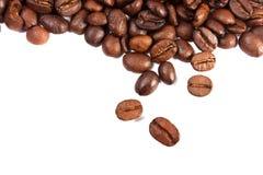 isolerad white för bakgrundsbönor kaffe Arkivbilder