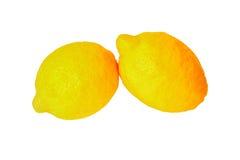 isolerad white för citroner två Royaltyfri Fotografi
