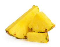 Isolerade ananasskivor arkivbilder