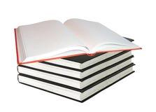 isolerade böcker staplar white fotografering för bildbyråer
