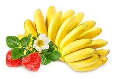 Isolerade bananer och jordgubbar Royaltyfria Bilder