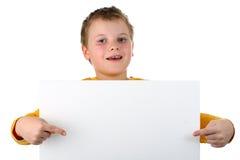isolerade blanka pojkehåll för affischtavla liten white Royaltyfri Foto
