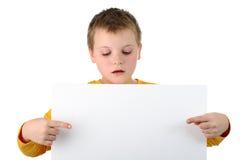 isolerade blanka pojkehåll för affischtavla liten white Arkivbilder