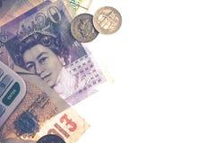 Isolerade brittiska mynt och anmärkningar Fotografering för Bildbyråer