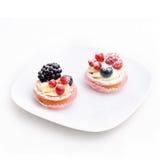 isolerade cakes plate två Fotografering för Bildbyråer
