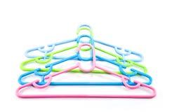 Isolerade färgrika hängare Royaltyfria Foton
