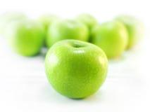 Isolerade gröna äpplen Royaltyfri Fotografi