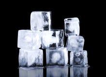 isolerade härlig kubis för bakgrund 3d glidbanawhite Royaltyfri Fotografi