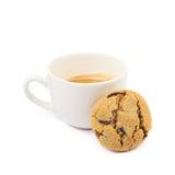 Isolerade kaffe och choklad kaka Arkivbilder
