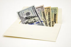Isolerade kassa för USA för pappers- pengar för kuvertet vit bakgrund Royaltyfri Foto