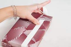 Isolerade manuella riktningar för pappers- för sjalhantverkbok för hand hantverk för band Fotografering för Bildbyråer
