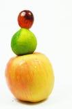 isolerade nya frukter royaltyfria foton