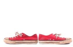 isolerade röda gymnastikskor Royaltyfri Fotografi