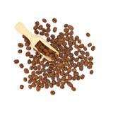 Isolerade skyffel- och kaffebönor Royaltyfri Foto