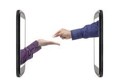 Isolerade Smartphone för hand för euromyntutbyte bankrörelsen Royaltyfri Foto