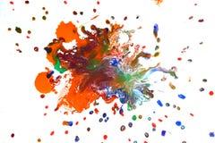 Isolerade stora lappar spots fläckar av blandade färger för färgstänk arkivfoton