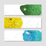 Isolerat annonsera banret i pappers- stil med färgrika vattenfärgfläckar Attributen av vetenskapliga experiment i kemi stock illustrationer