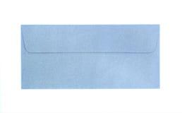 isolerat blått kuvert Arkivfoton