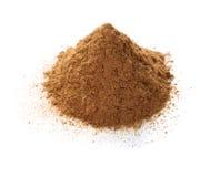 Isolerat Ceylon kanelbrunt pulver royaltyfri bild