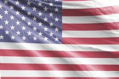 Isolerat enigt tillstånd av den Amerika flaggan som vinkar realistiskt tyg 3d Arkivbild