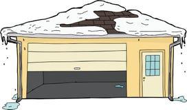 Isolerat garage med den fastnade dörren och snö Arkivfoto