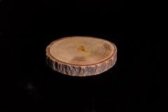 Isolerat hugga av trä Royaltyfria Bilder