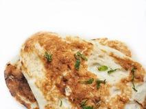 Isolerat indiskt naan bröd royaltyfri foto