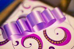 isolerat objekt för bowfärggåva bild Royaltyfri Bild