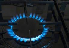 Isolerat på vit bakgrund Gas brand i köket fotografering för bildbyråer