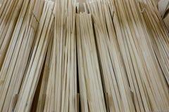 Isolerat på white med clippingbanan träbyggnadsmaterial Royaltyfri Fotografi