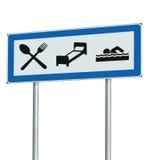 Isolerat parkeringsplatsvägmärke, restaurang, hotellmotell, simbassängsymboler, vägrenSignagePole stolpe, blått, svart, vit Fotografering för Bildbyråer