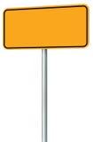 Isolerat tomt gult vägmärke, stort utrymme för perspektivvarningskopia, svart tom Pole för skylt för ramvägrenvägvisare stolpe Royaltyfri Foto