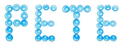 Isoleren de blauwe plastic kruiken van de tekenbenoeming op een witte achtergrond het woord PETE, Polyethyleenterephthalate, recy stock afbeeldingen