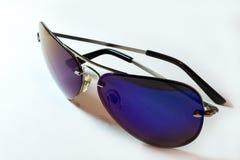 Isolete ultra-violet d'aviateur de lunettes de soleil sur le wite Image libre de droits