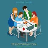 Isometrische vector van het de mensen vlakke 3d Web van het brainstormings de creatieve team Stock Fotografie