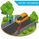 Isometrisk elbilparkering, elektronisk bil ekologiskt begrepp Värld för Eco vänskapsmatchgräsplan Isometrisk plan vektor 3d Arkivbild