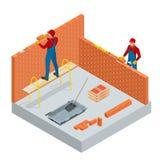 Isometrisk industriarbetare som bygger yttre väggar, genom att använda hammaren och nivån för att lägga tegelstenar i cement Kons vektor illustrationer