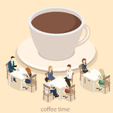 Isometrisk inre av coffee shop kafé eller restaurang för plan isometrisk design 3D inre Folket sitter på tabeller och äter Royaltyfria Bilder